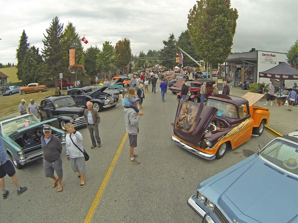 Sechelt Car Show Draws Thousands The Local Weekly - Half moon bay car show