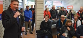 Simons opens Sechelt campaign office